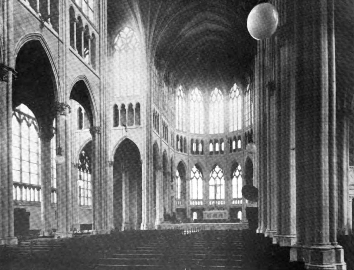 Print of a previously unknown photograph taken by Leon Coquard of the finished Cathedral interior just after its dedication on January 27, 1901. Note the frosted windows and plain interior. Courtesy of Stephen Enzweiler.